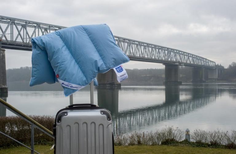 Многофункциональная подушка для путешествий