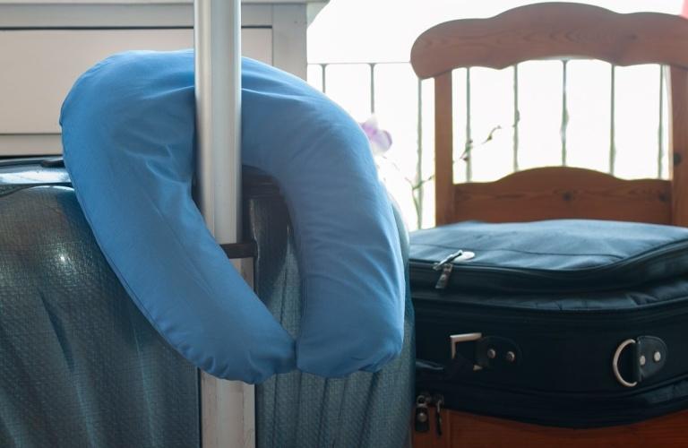 Маленькая подушка-подкова «Mini-U»