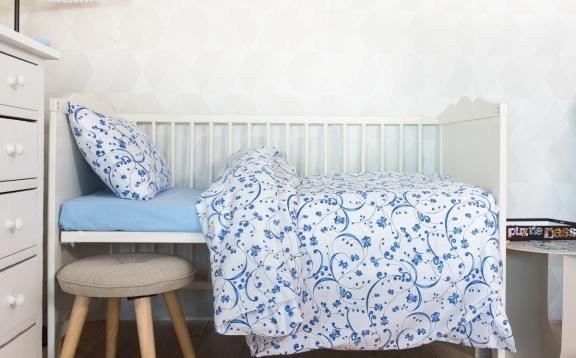 Pooq Blue PD Porcelain on White